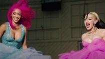 Gwen Stefani & Saweetie Release High-Energy 'Slow Clap' Remix Video | Billboard News