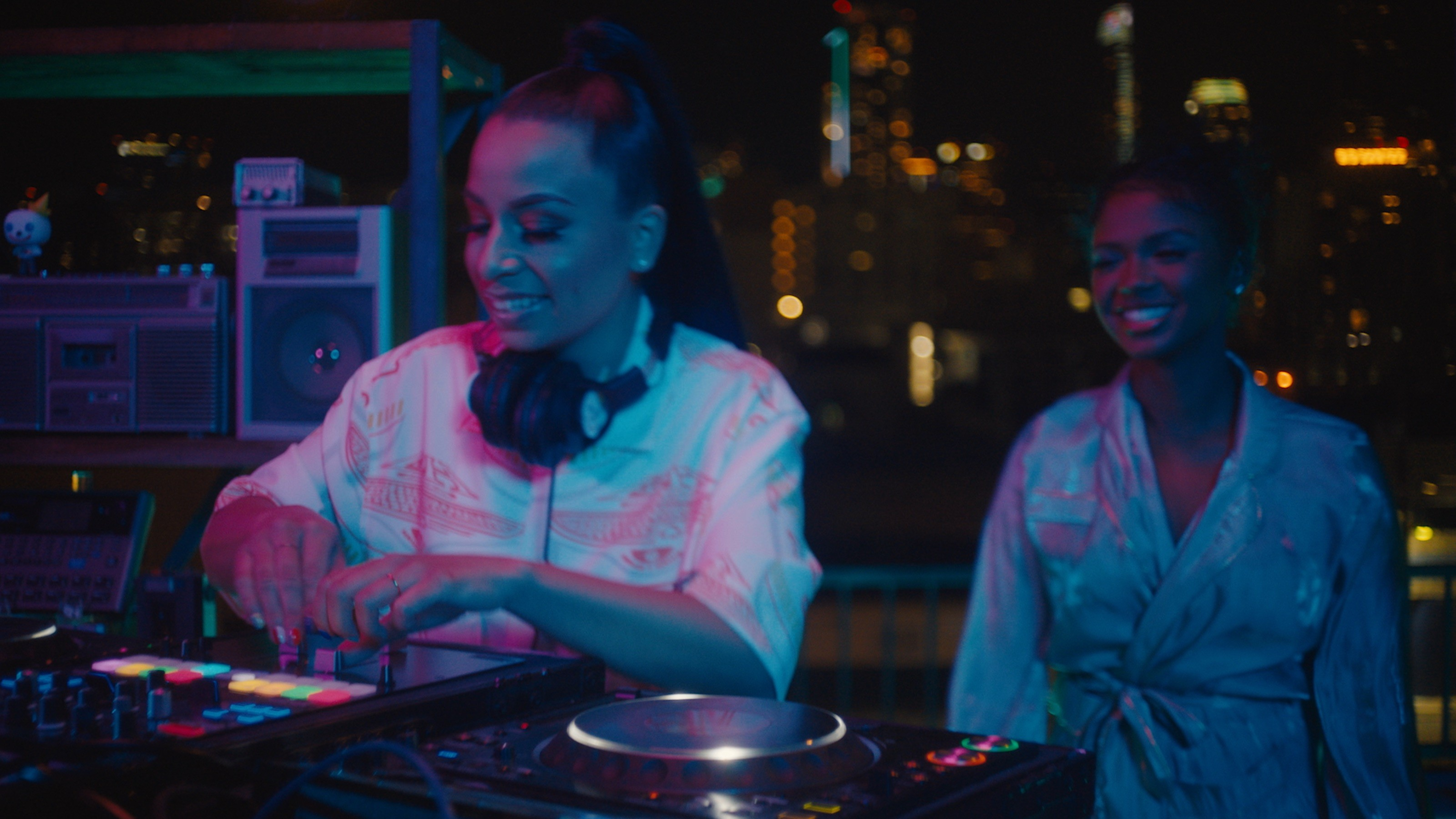Watch: Billboard Launches New DJ-Focused Series 'Mash Up the Charts'