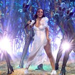 Doja Cat Twerks With Some Extraterrestrials During Her 2021 iHeartRadio Music Awards Performance