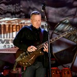 Jason Isbell's Houston Show Canceled, Says Venue Owner 'Flat-Out Refused' to Implement COVID-19 Policy thumbnail