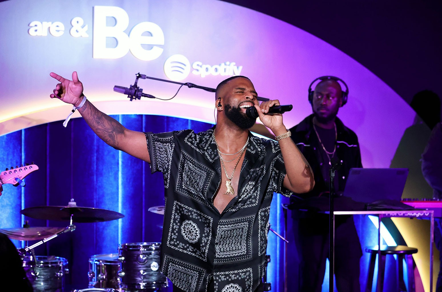 Watch Dvsn Cover Usher's 'Nice & Slow' (In Front of a Crowd!) At Intimate Spotify Party