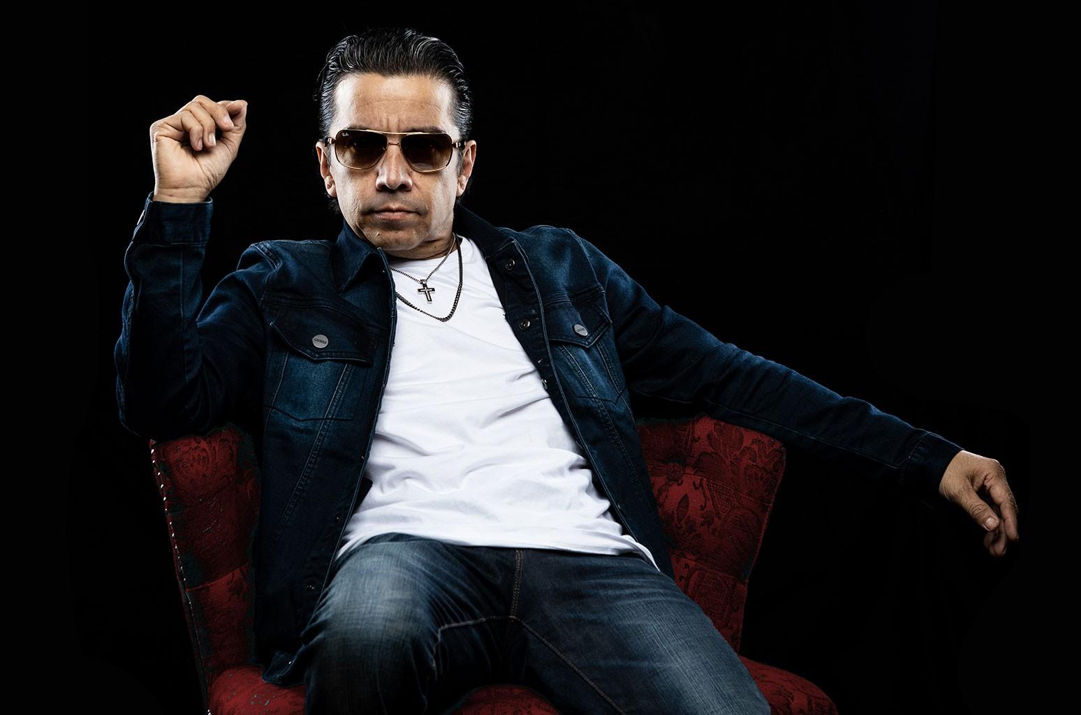 Life After Selena y Los Dinos: Joe Ojeda Kicks Off Solo Career With 'Dueña De Tu Cama'