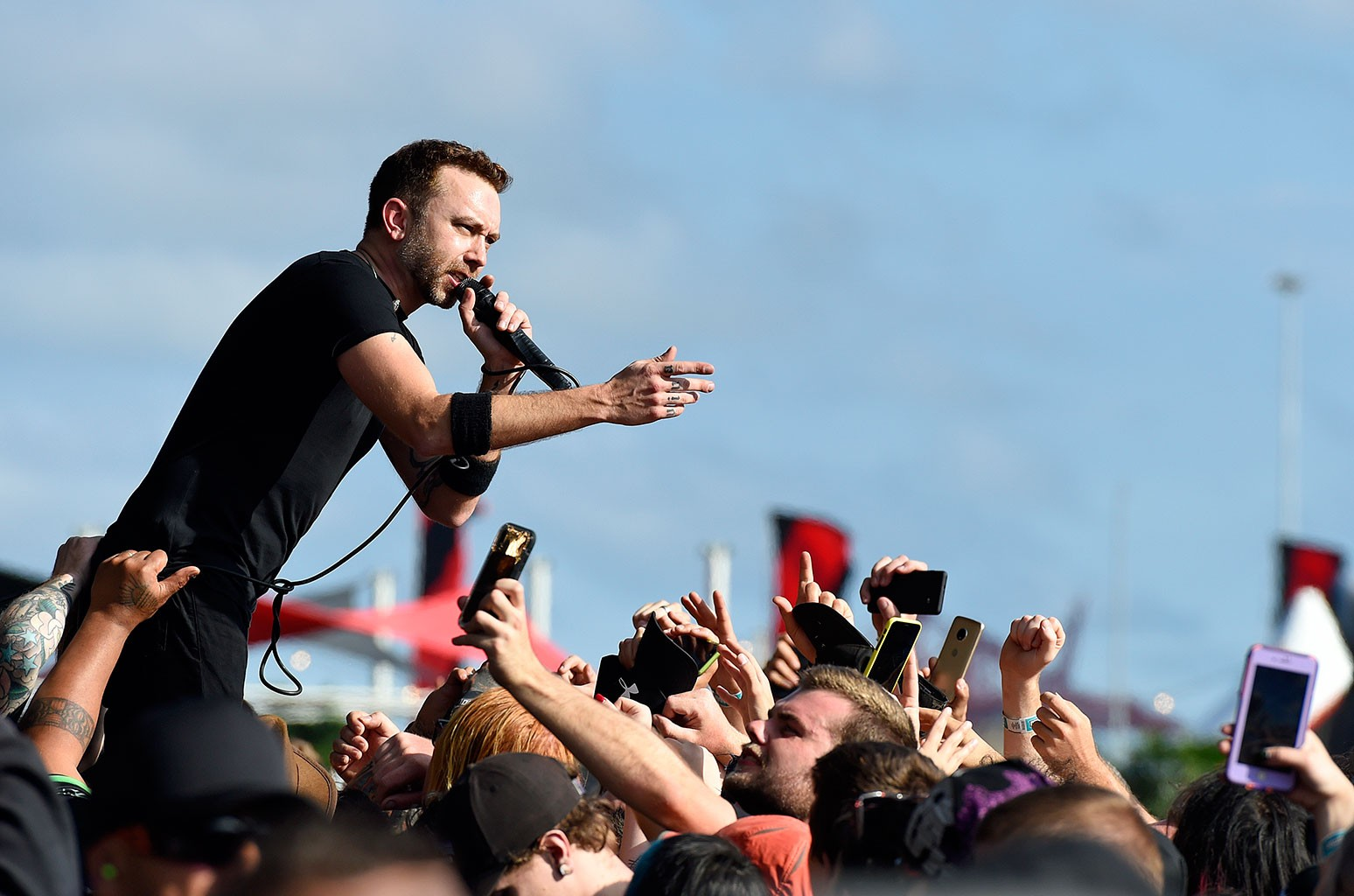 Rise Against Nabs First Hot Hard Rock Songs No. 1 With 'Nowhere Generation'