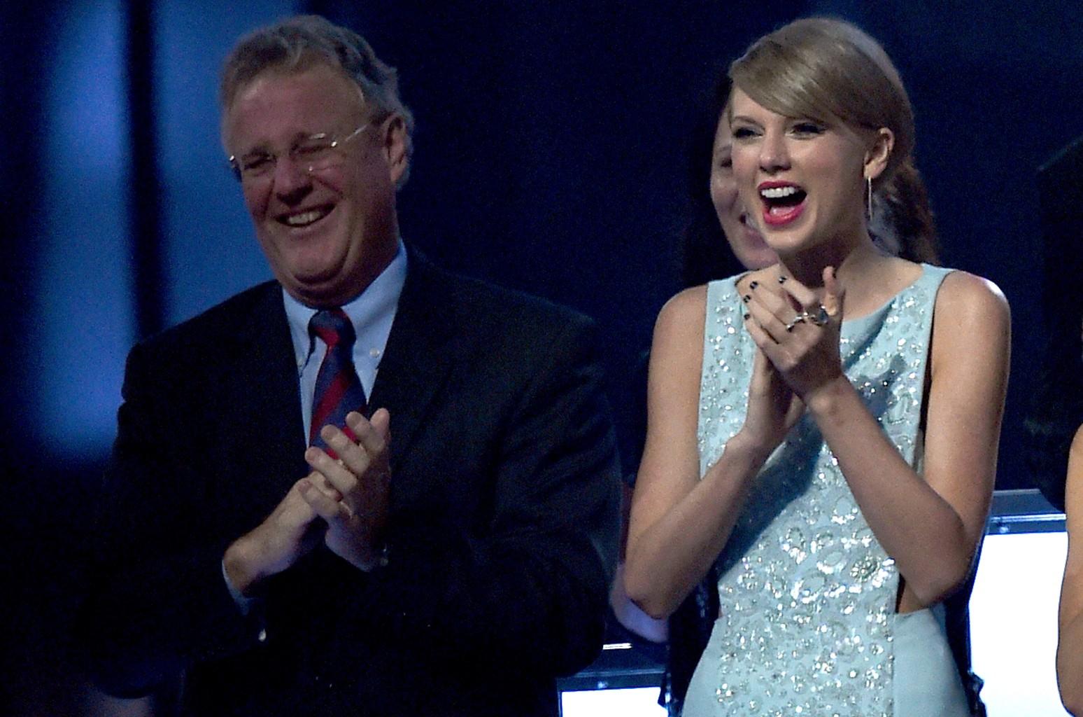 Scott Swift Taylor Swift