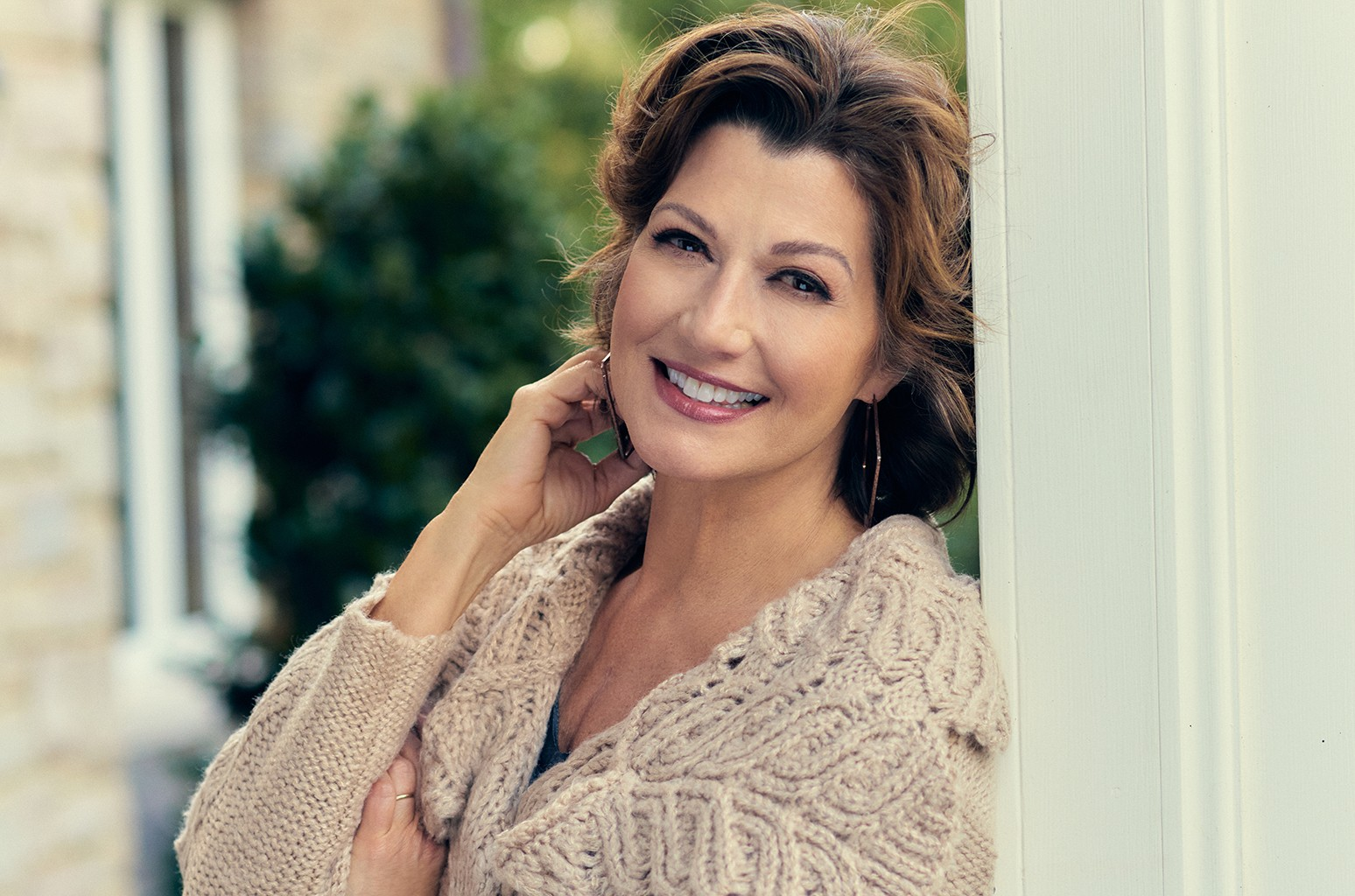 Amy Grant Feels 'Nothing But Gratitude' for Blockbuster 'Heart in Motion' Album, 30 Years Later; Singer Discusses Her Career, Surviving Open-Heart Surgery and Pandemic Lessons in Interview with Billboard