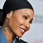 Jada Pinkett Smith Matches Daughter With Newly Shaved Head: 'Willow Made Me Do It' thumbnail