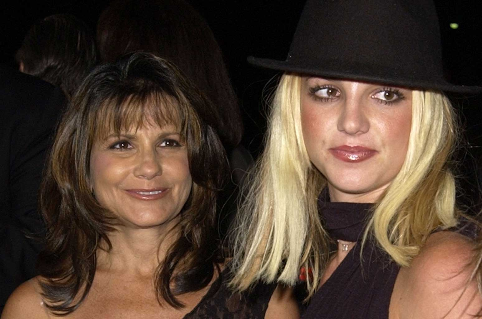 Lynne Spears and Britney Spears in 2002.