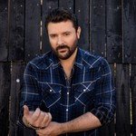 Chris Young Talks His 'Growth' on 'Famous Friends' Album & Leaving Zoom Songwriting Behind thumbnail