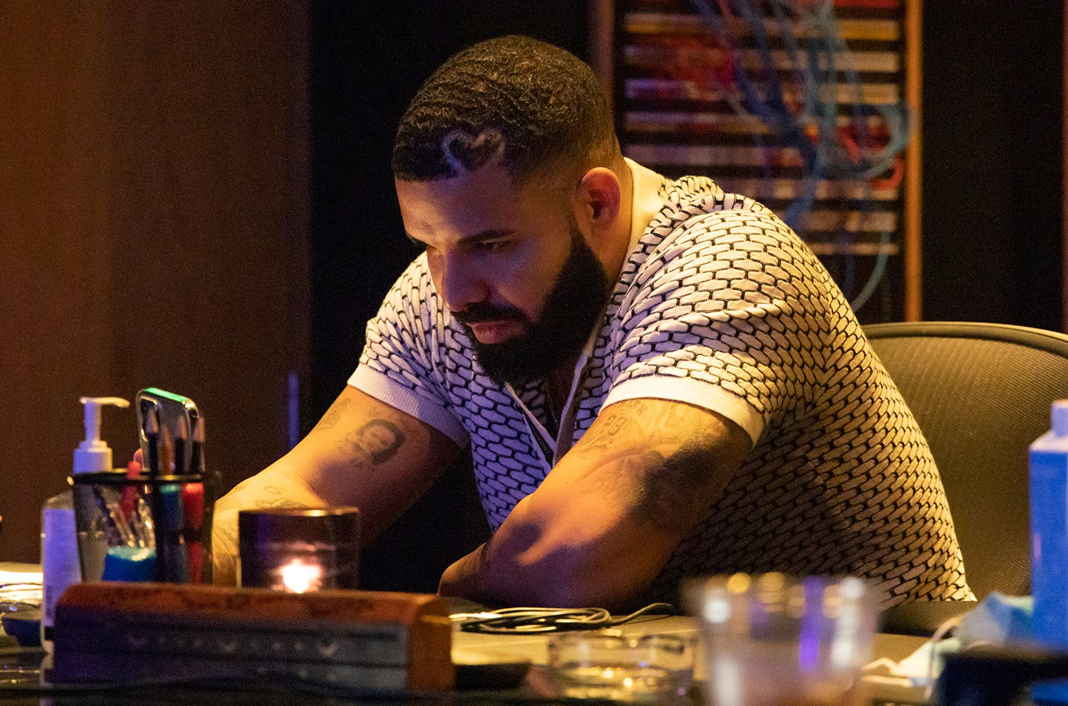 Drake's Historic Chart Week: How He Matched The Beatles' 57-Year-Old Record