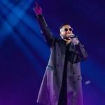 Maluma Serenades L.A. Fans During Papi Juancho Tour Stop: 'I Give You My Heart' thumbnail