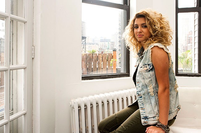 tori-kelly-tastemakers_02
