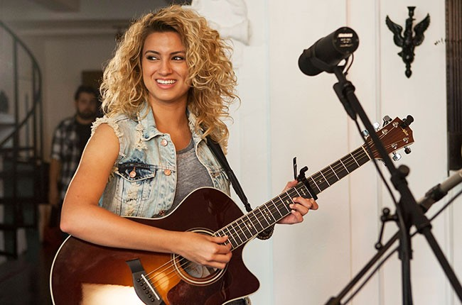 tori-kelly-tastemakers_06