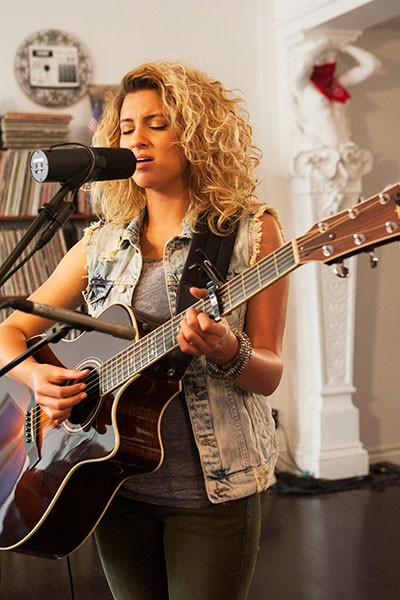 tori-kelly-tastemakers_08