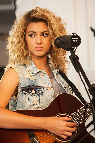 tori-kelly-tastemakers_09