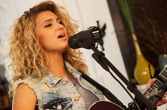 tori-kelly-tastemakers_11