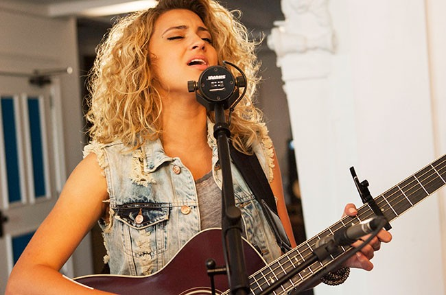 tori-kelly-tastemakers_13