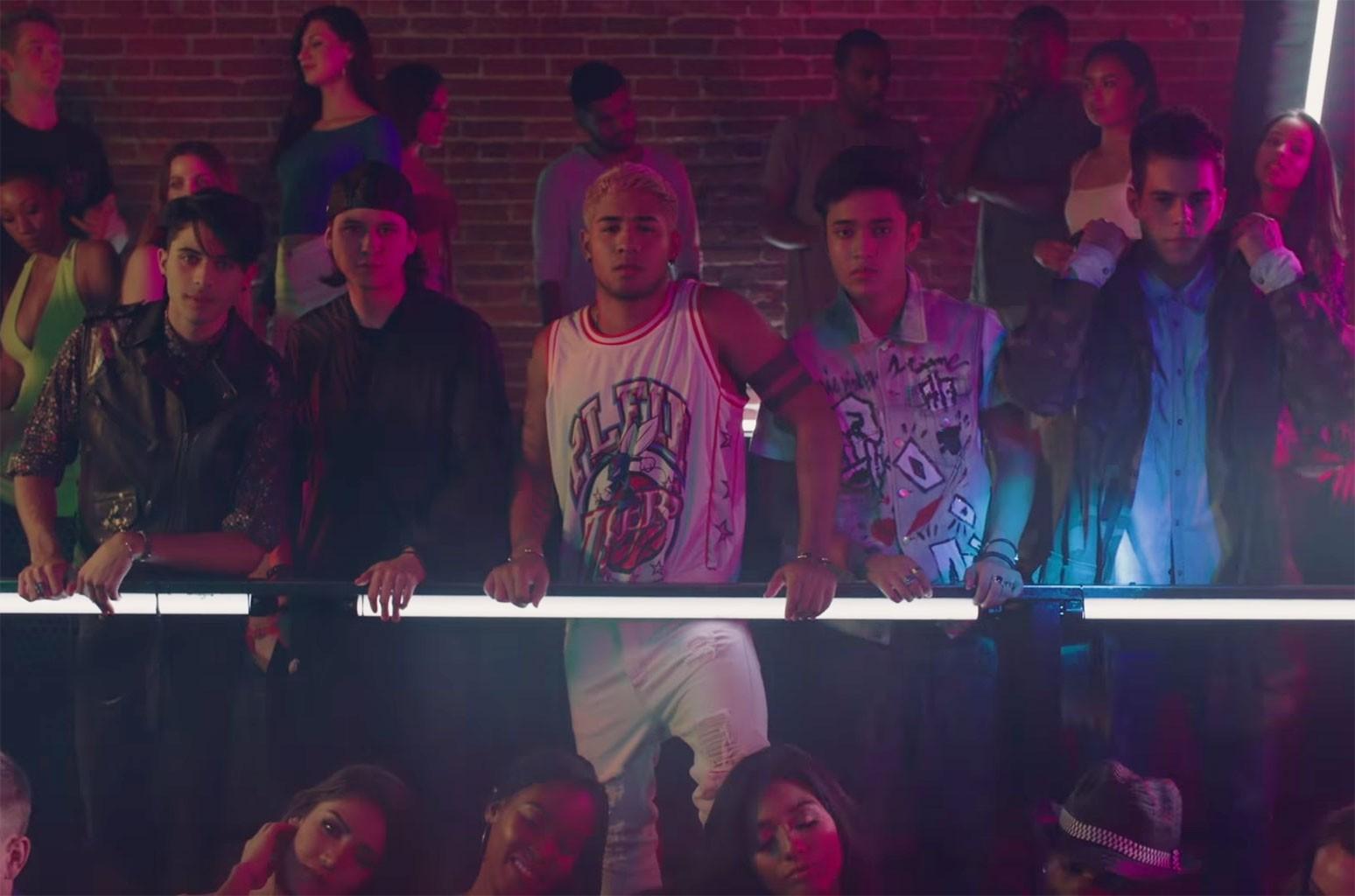 "CNCO and Little Mix ""Reggaetón Lento"""