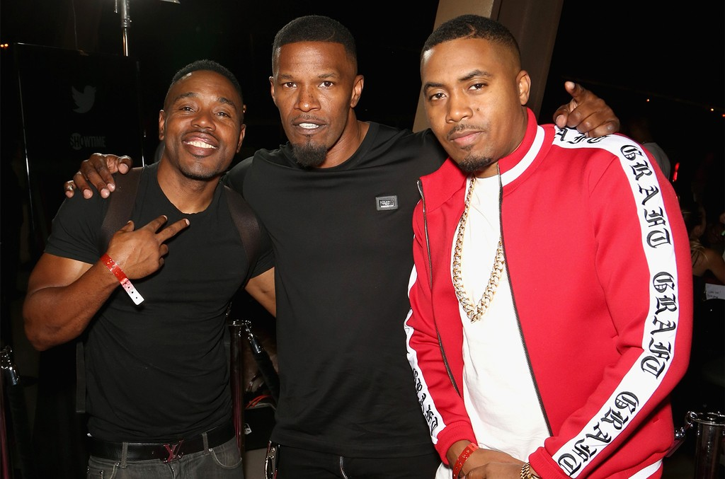 Jamie Foxx and Nas arrive on T-Mobile's magenta carpet duirng the Showtime, WME IME and Mayweather Promotions VIP Pre-Fight Party for Mayweather vs. McGregor at T-Mobile Arena on Aug. 26, 2017 in Las Vegas.