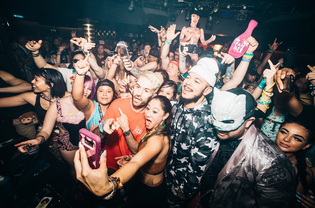 A-Trak and YehMe2 pose with fans during Brownies & Lemonade on Holy Ship!