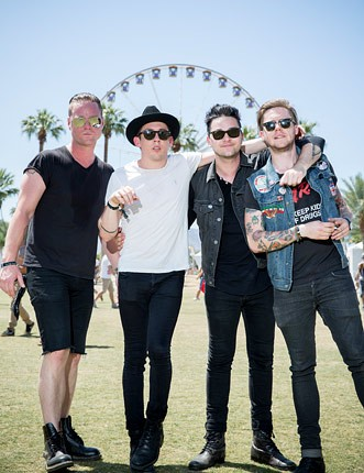 01-mona-behind-the-scenes-coachella-2013-650-430