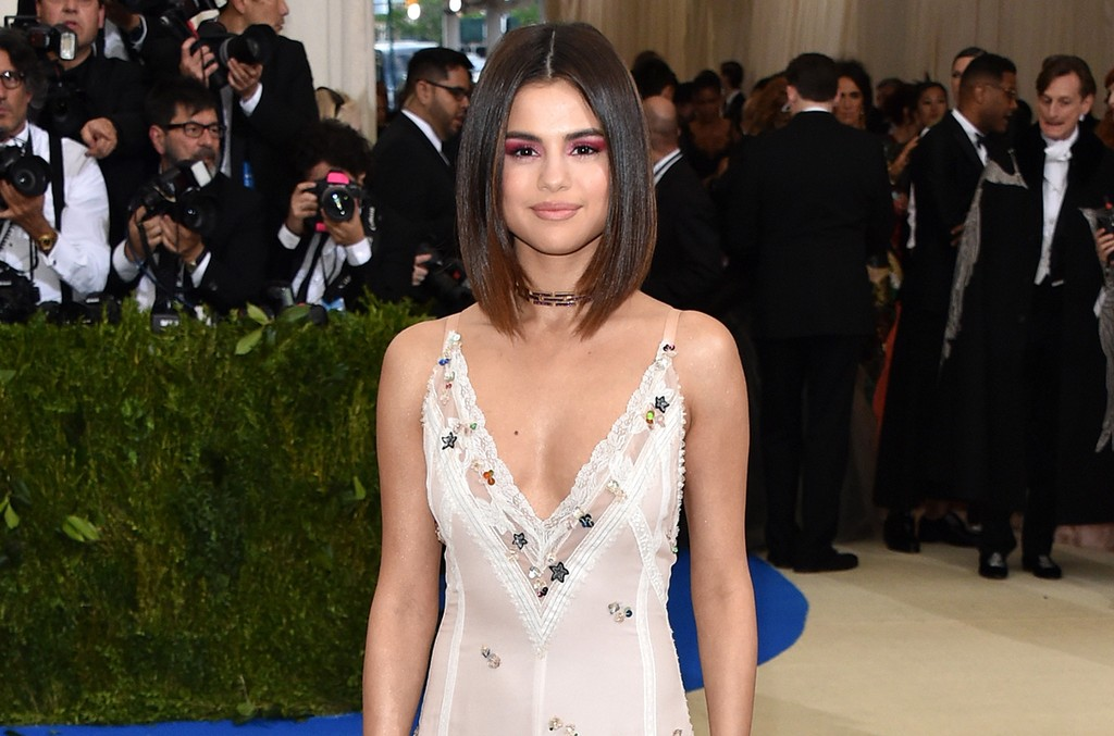 "Selena Gomez attends ""Rei Kawakubo/Comme des Garcons: Art Of The In-Between"" Costume Institute Gala at Metropolitan Museum of Art on May 1, 2017 in New York City."