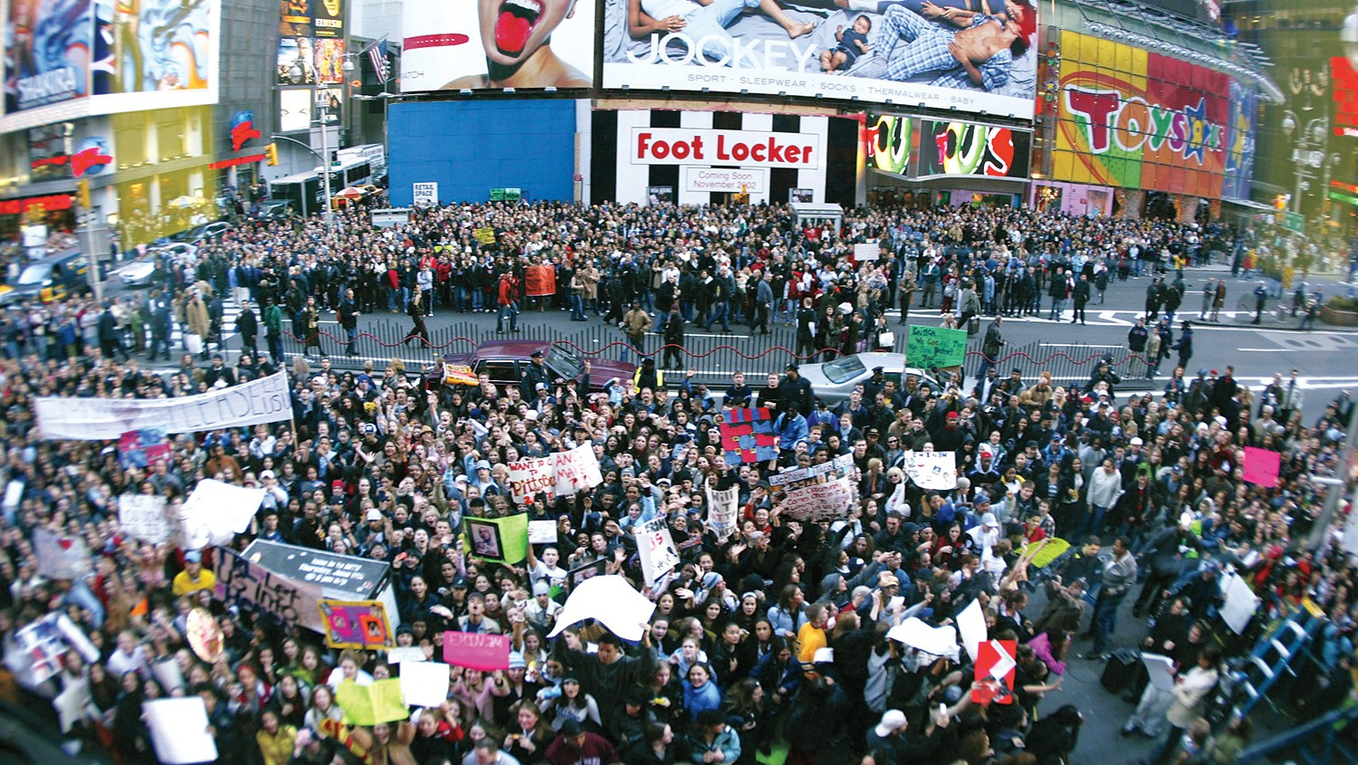 A typical view of the pandemonium outside 1515 Broadway during a TRL taping — this time for Eminem in November 2002, when he was promoting his acting debut in 8 Mile.