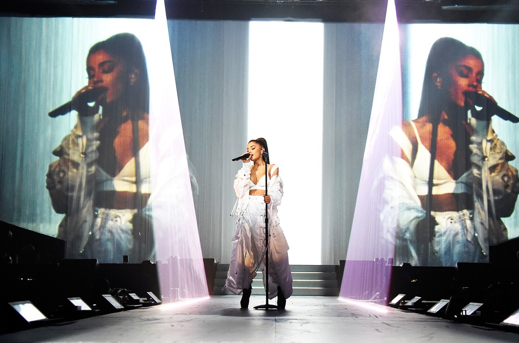 """Ariana Grande performs on stage during the """"Dangerous Woman"""" Tour Opener at Talking Stick Resort Arena on Feb. 3, 2017 in Phoenix, Arizona.  (Photo by Kevin Mazur/Getty Images for Live Nation)"""