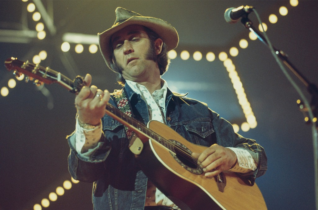 Don Williams performs on stage at the Country Music Festival held at Wembley Arena in London in April 1977.