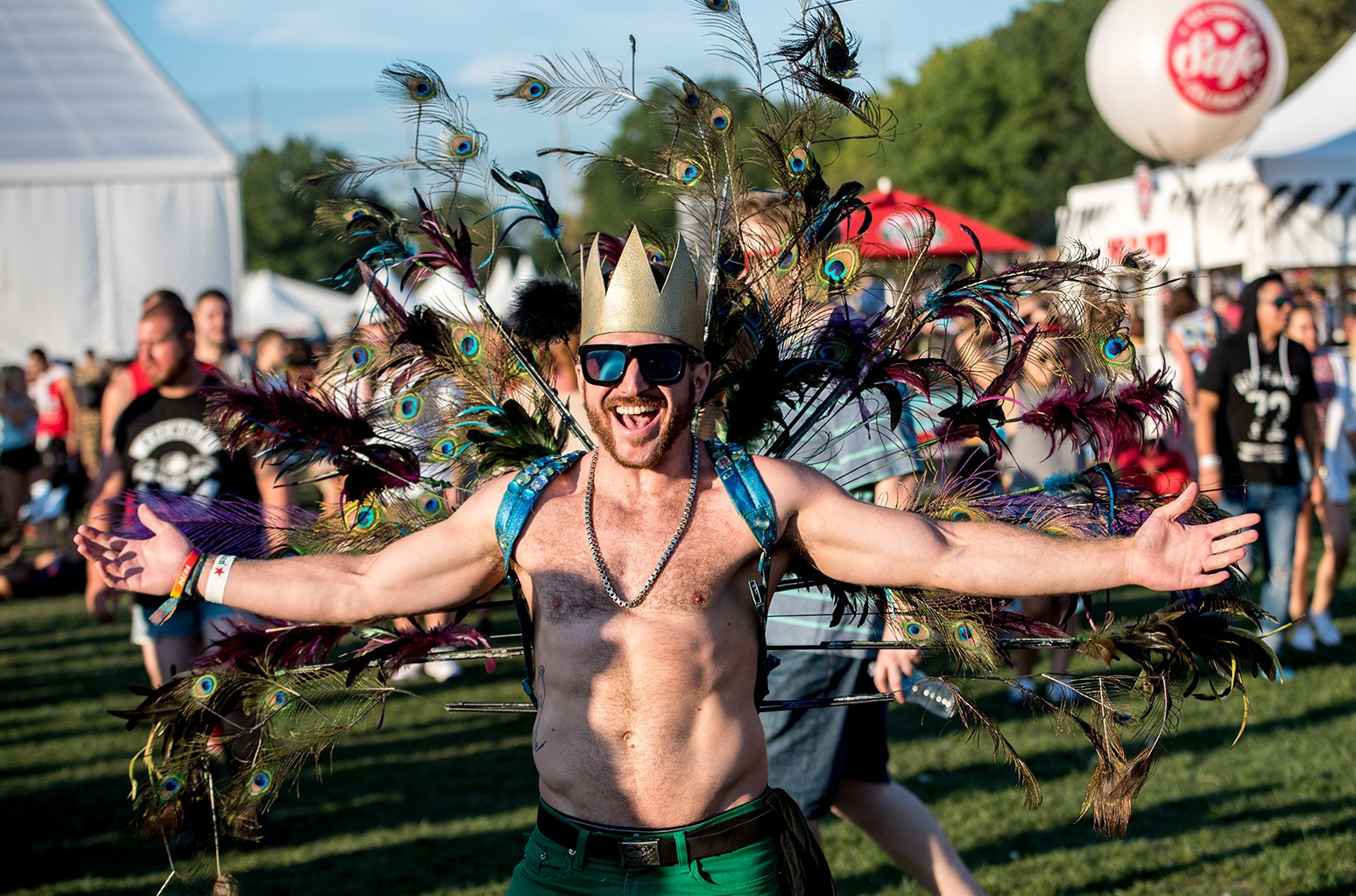 23 Outfits To Wear To A Dance Music Festival Billboard