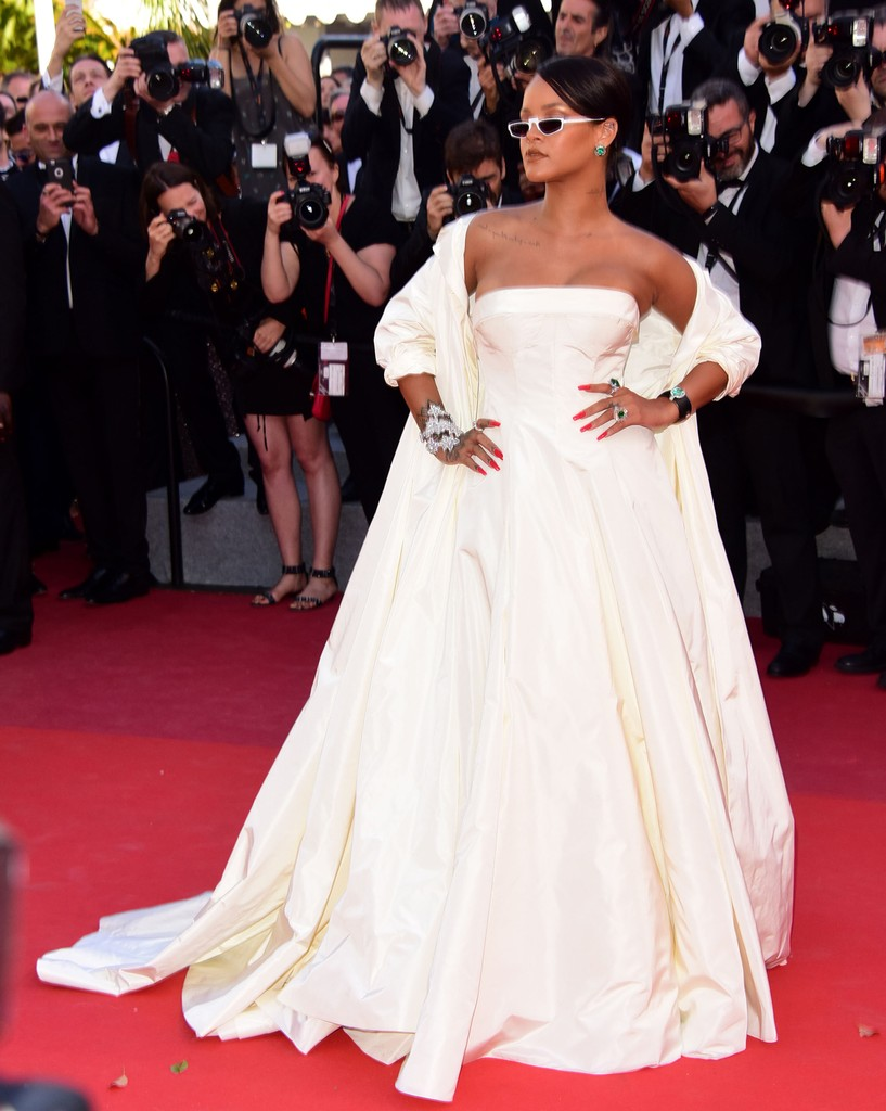 CANNES, FRANCE - MAY 19: Rihanna  attending  the Premiere of OKJA at Cannes film Festival on May 19, 2017 in Cannes, France.  PHOTOGRAPH BY Peter / Barcroft Images  London-T:+44 207 033 1031 E:hello@barcroftmedia.com - New York-T:+1 212 796 2458 E:hello@b