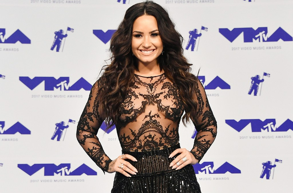 Demi Lovatio, 2017 MTV VMAs
