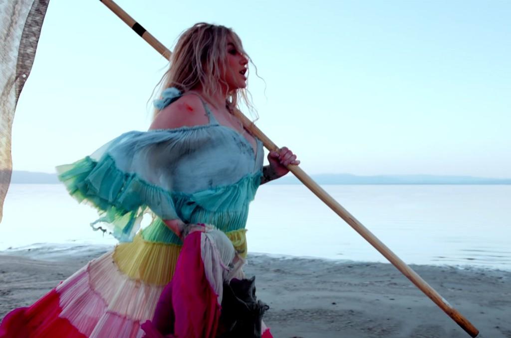 """Kesha """"Praying"""""""