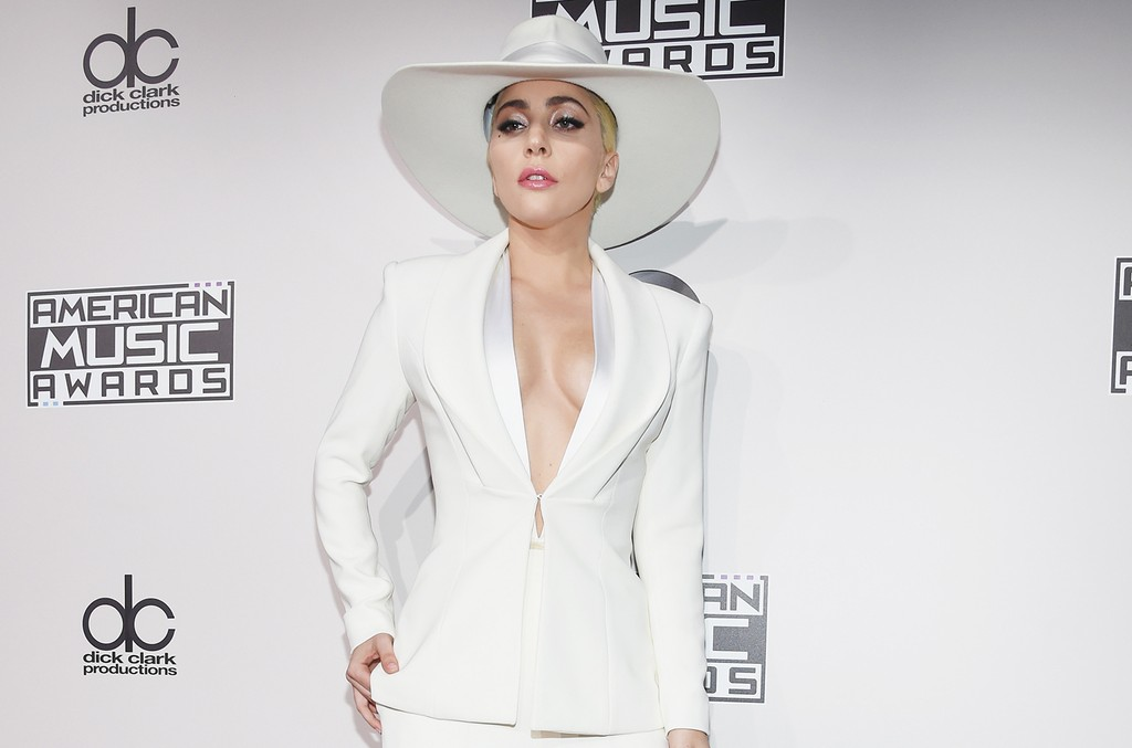 Lady Gaga attends the 2016 American Music Awards