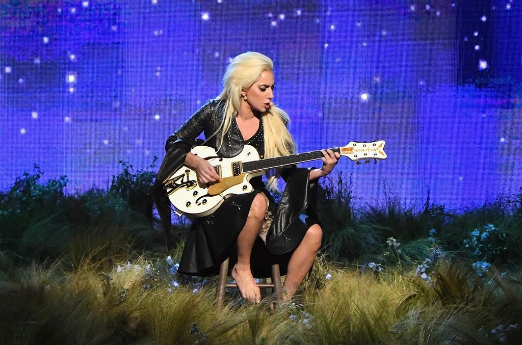 Lady Gaga performs at the 2016 American Music Awards