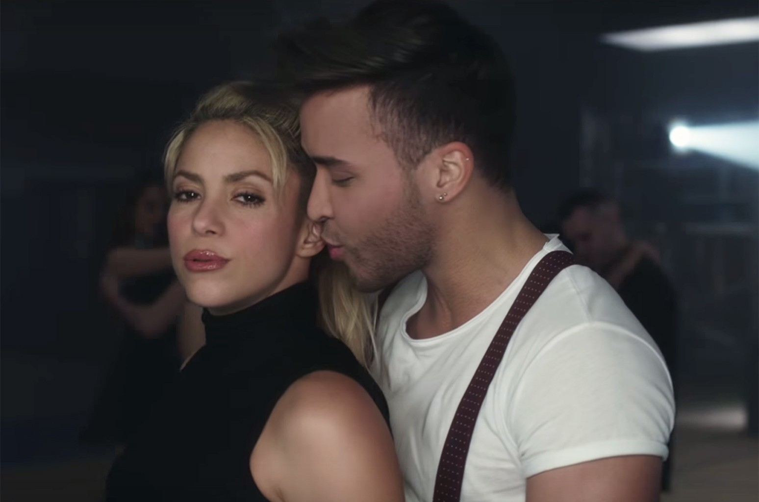 """Shakira and Prince Royce in the video for """"Deja vu."""""""