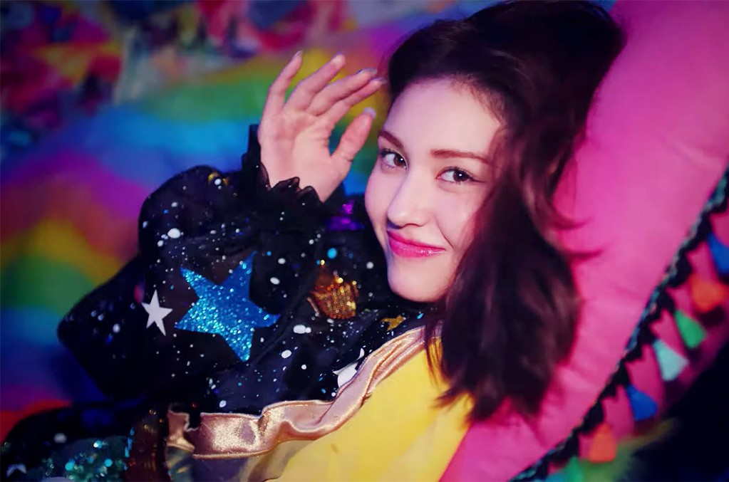 "SOMI, ""Birthday"""