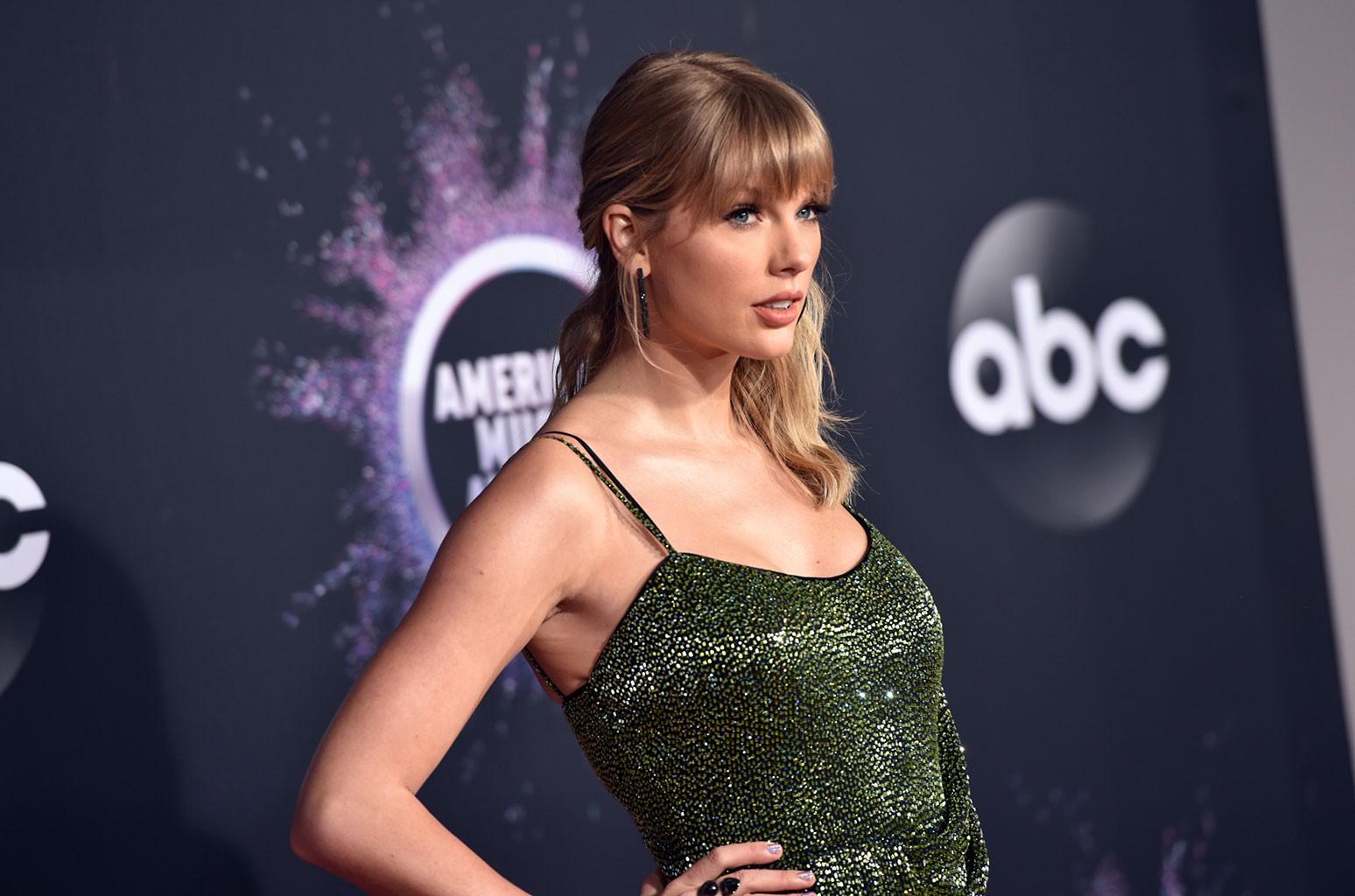 Taylor Swift Fans Think She Sent Ex Joe Jonas A Baby Gift Billboard