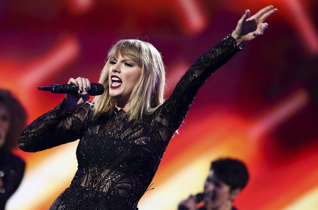 Taylor Swift performs at DirecTv Now Super Saturday Night Concert at Club Nomadic on Feb. 4, 2017 in Houston.