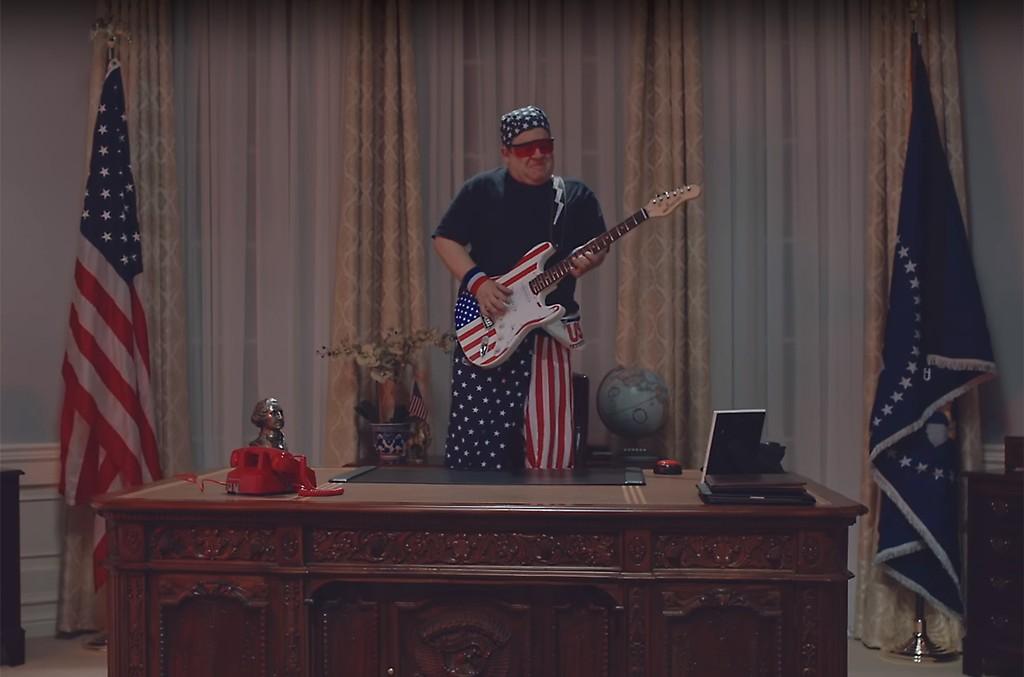 "Weezer, ""I Love The USA"""