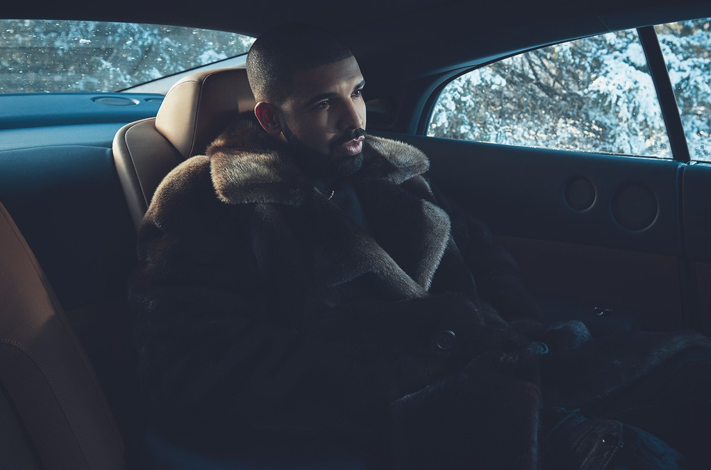 Drake photographed in 2016