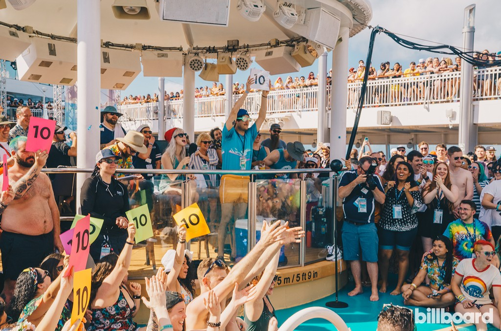 The Fans Make the Cruise