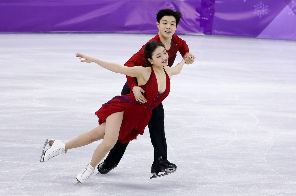 Maia Shibutani and Alex Shibutani of USA