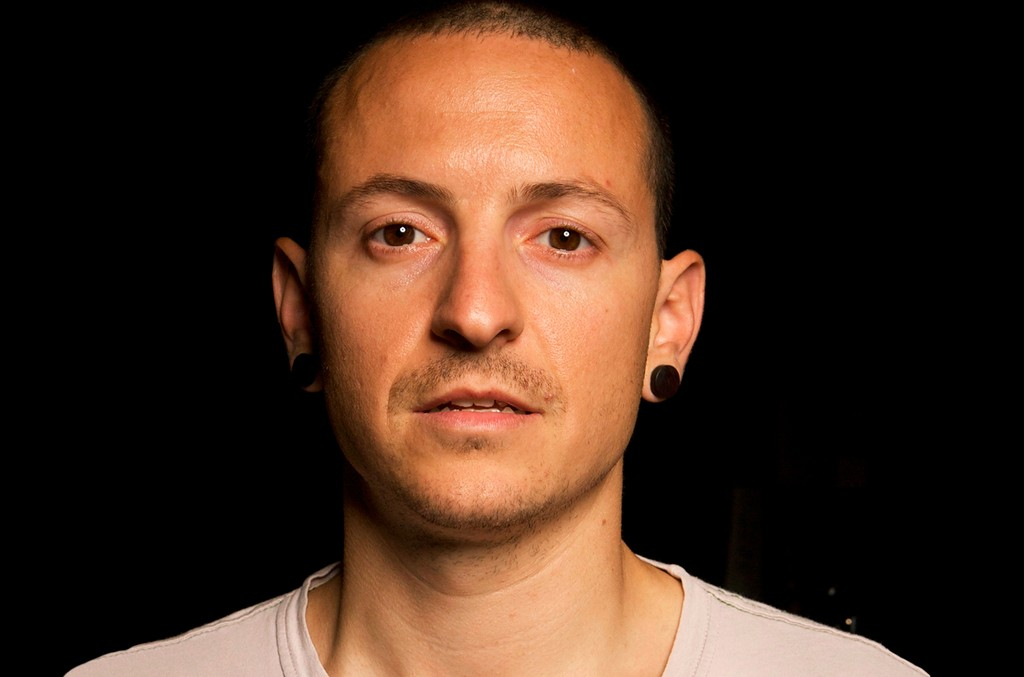 Linkin Park co-lead vocalist Chester Bennington poses for a photo at the band rehearsal studio on May 29, 2008 in Los Angeles.