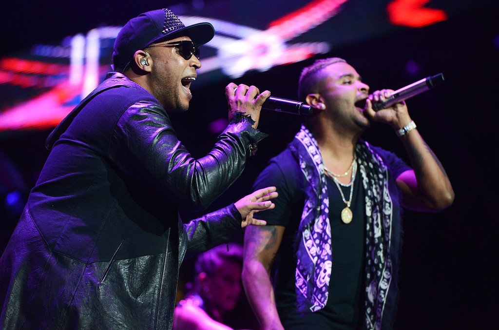 Don Omar (L) and Zion (R) perform onstage during Calibash 2017 at Staples Center on Jan. 21, 2017 in Los Angeles.