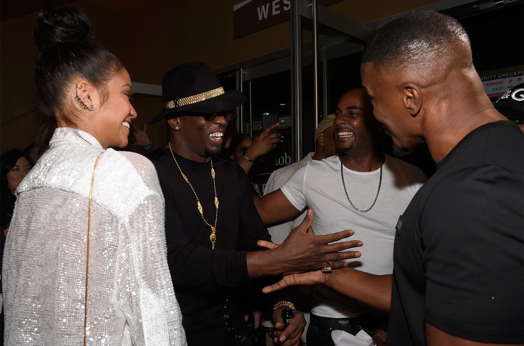 """Cassie, Sean """"Puffy"""" Combs and Jamie Foxx arrive on T-Mobile's magenta carpet duirng the Showtime, WME IME and Mayweather Promotions VIP Pre-Fight Party for Mayweather vs. McGregor at T-Mobile Arena on Aug. 26, 2017 in Las Vegas."""