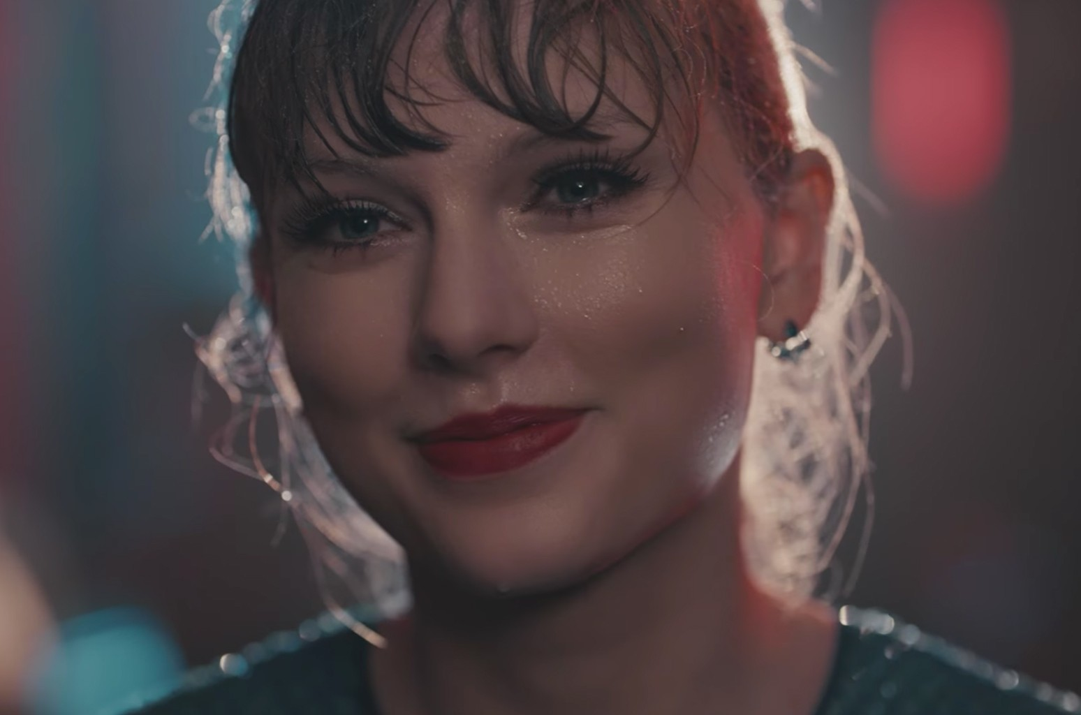 "Taylor Swift ""Delicate"""