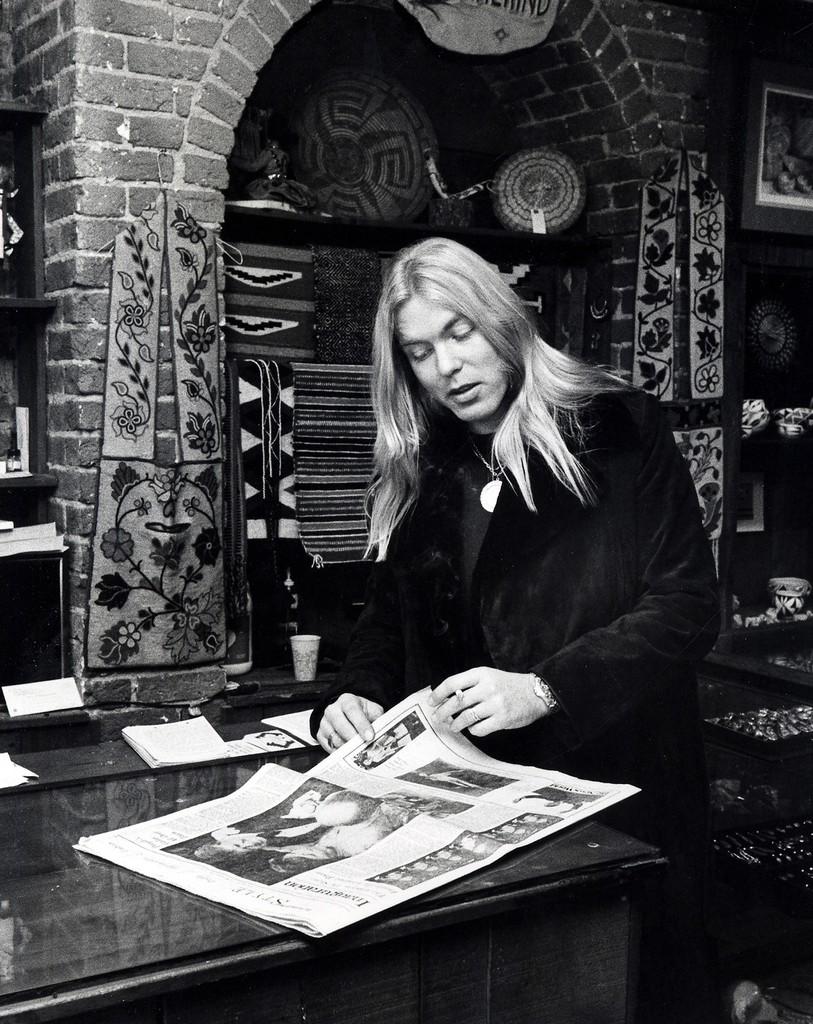 Gregg Allman at Amerind jewelry shop on M Street in Georgetown on Jan. 21, 1977.