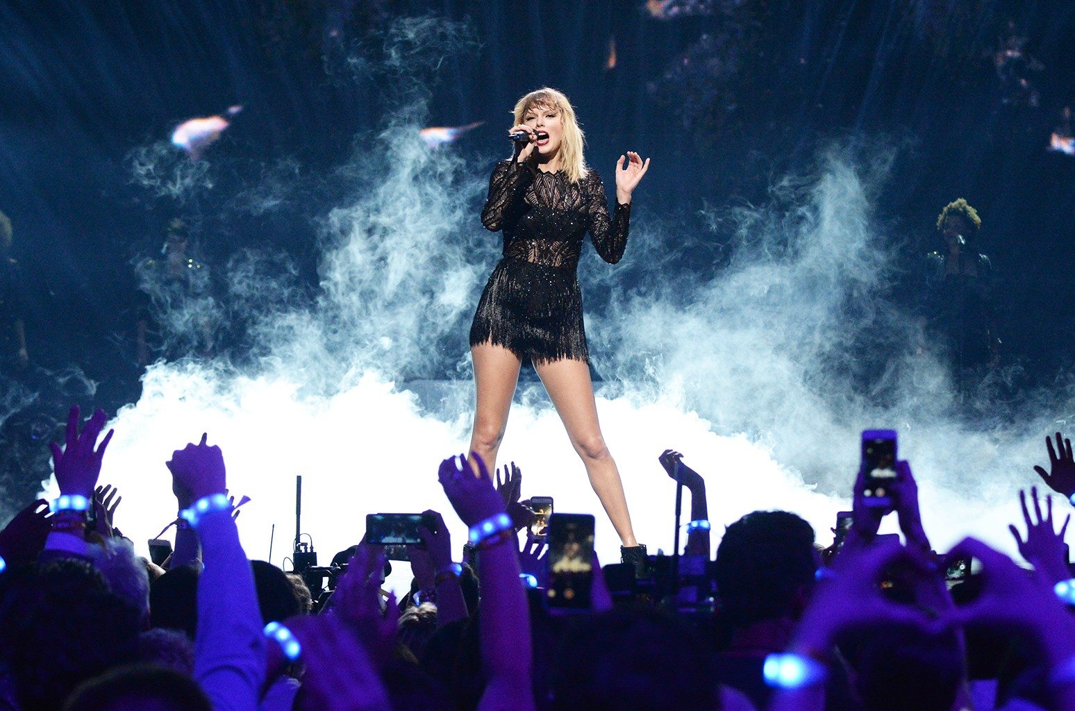 Taylor Swift S Most Loyal And Verified Fans Get First Crack At Reputation Tour Tickets Billboard