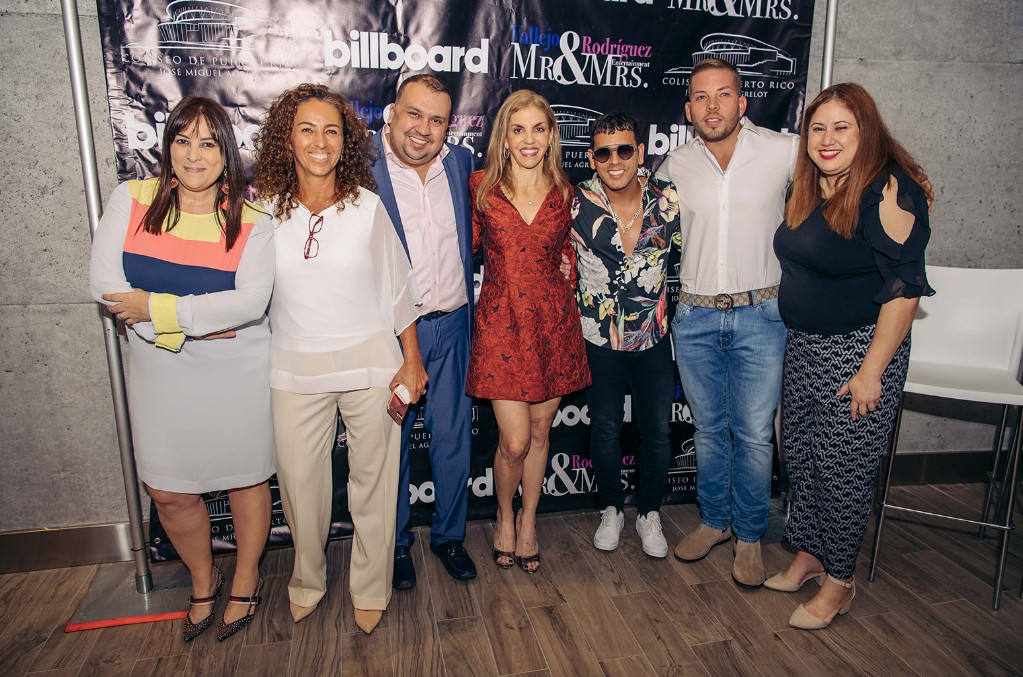 "(L-R) Shirley Rodriguez, Marcia Olival, Jose ""Pompi Vallejo"", Leila Cobo, Tito El Bambino, Vicente Saavedra, Suzette Fernandez"