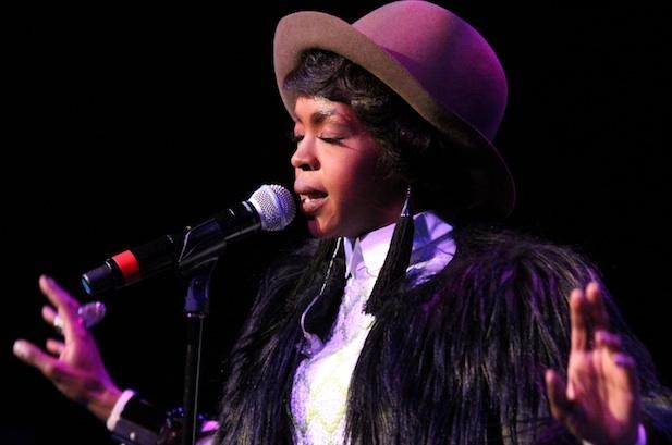1284289-lauryn-hill-aretha-tribute-617-409